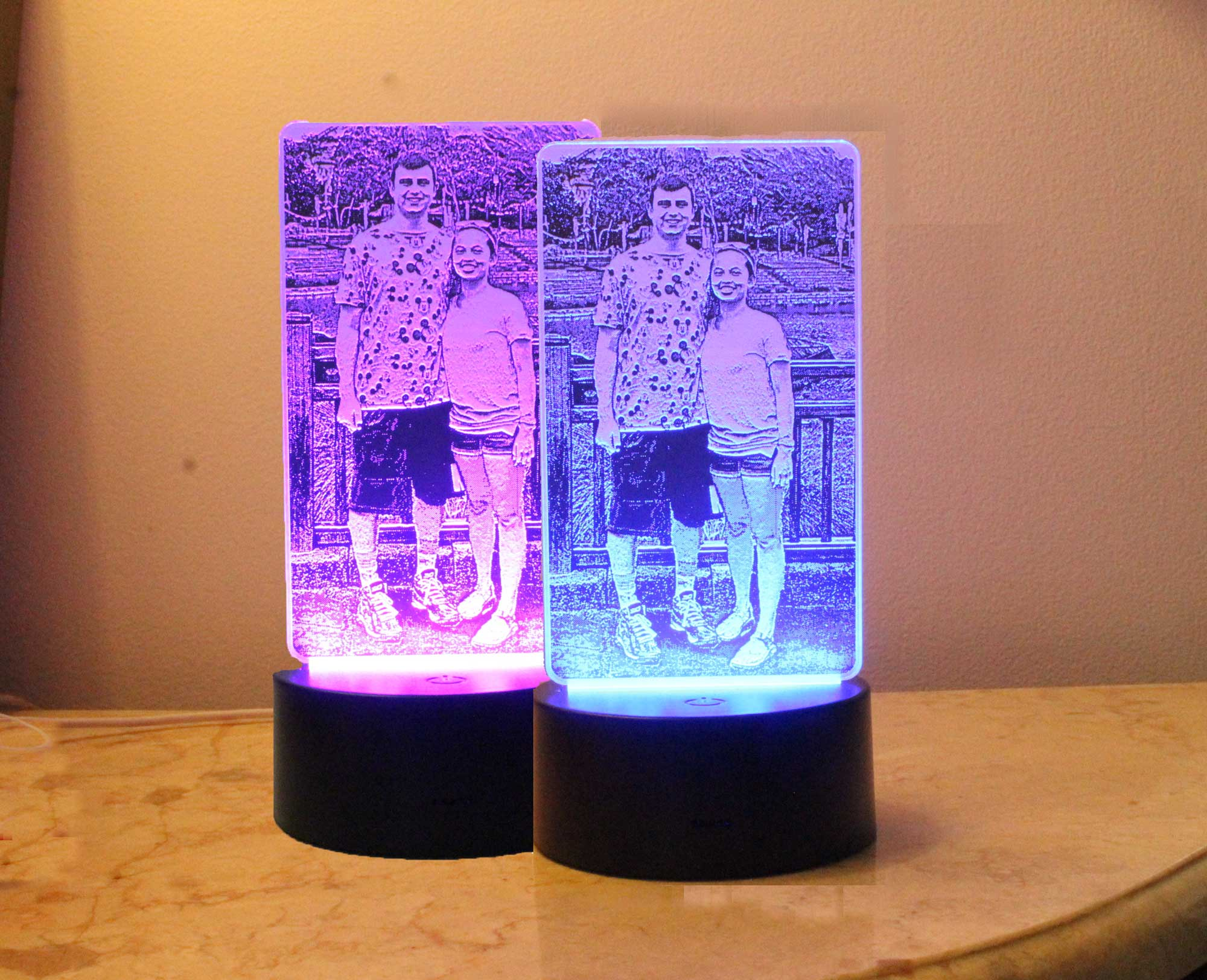 Personalized Photo Night Light, Etched in Acrylic Table top light - USB/110V/Battery