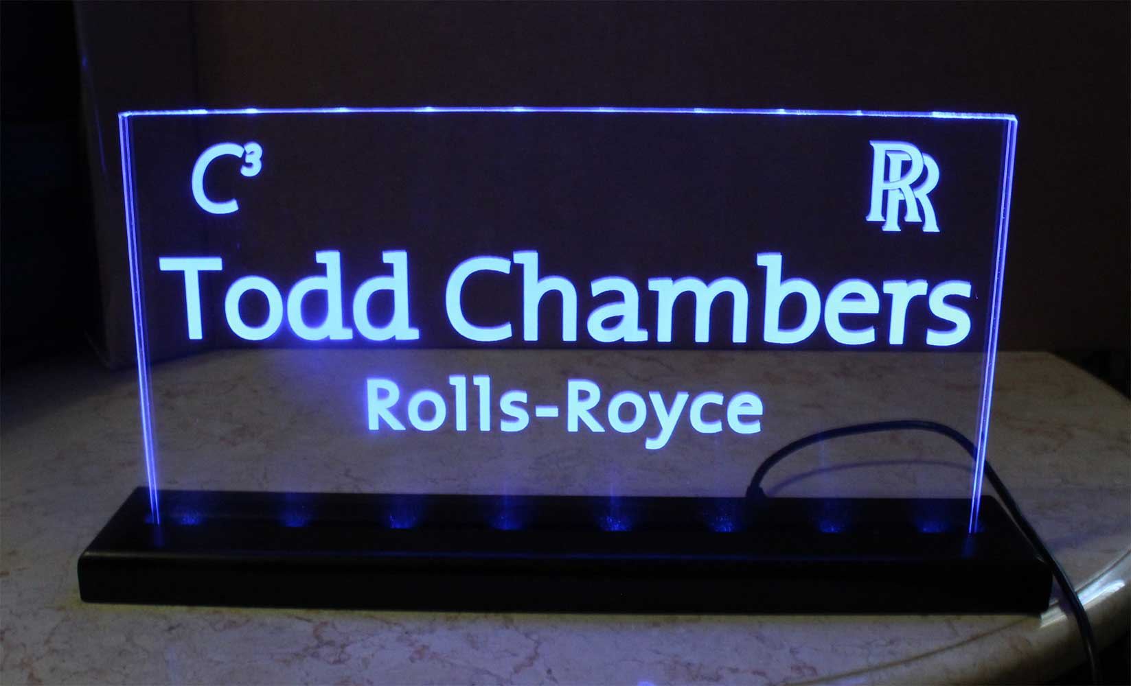 USB - 110V LED Nameplates, Desk Signs